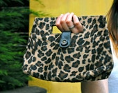 Vintage Pin Up Rockabilly Fuzzy Leopard Animal Print Purse Clutch Handbag with Button