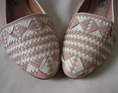SUPER SWEET 80's pastel pink and white woven leather shoes by Unisa - made in Brazil