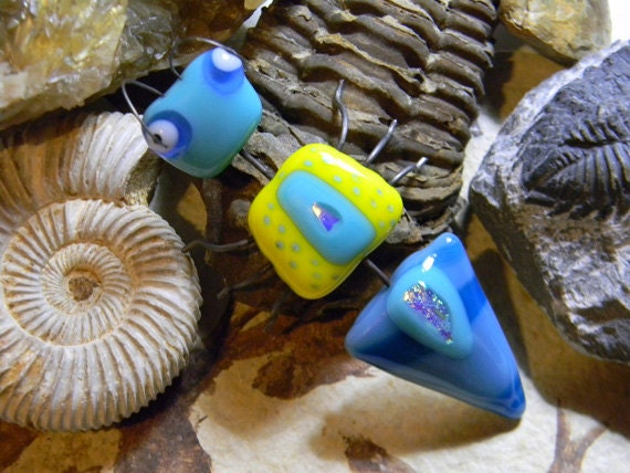 Gadget the Fossil Hunter - Fused Glass & Wire Ant Insect Sculpture -  signed by artist - whimsical garden bug home decor - blue yellow