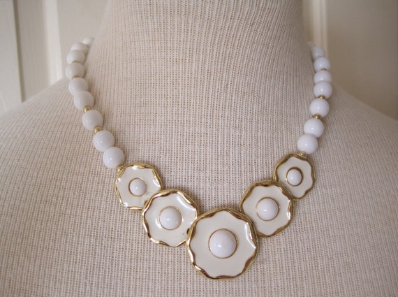 Vintage Necklace, 50's Style White and Gold