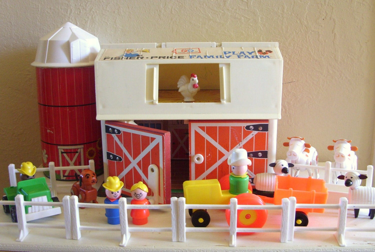 Vintage Fisher Price Little People Family Play Farm Animals
