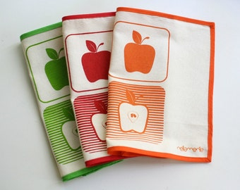 APPLE PLACEMATS set of 2 table mats screenprinted