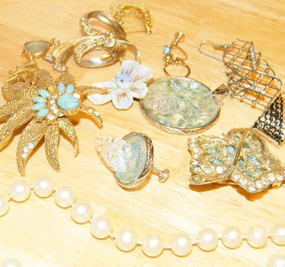 Vintage Jewelry Lot, Broken Jewelry Lot, Repairs, Crafts, Mismatched Jewelry Lot