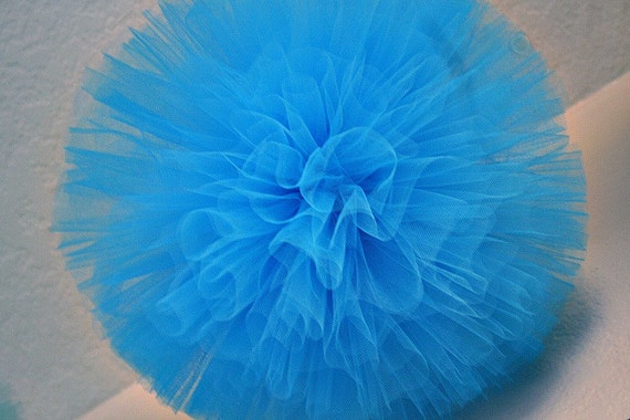 Tulle pom poms, for weddings, party decorations and centerpieces