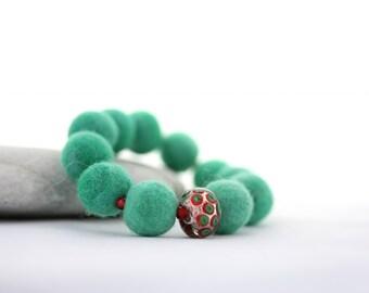 Felt Bead Bracelet, Fresh Green with Feature Glass Bead