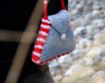 Felt Purse, Trapezoid Bag (light blue / red)