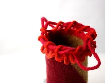 Mini-Hobo Bag, Felt Purse Clutch, Hand-Dyed (red and sand)