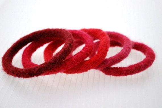 Christmas Reds Bangle Collection - SALE 25% OFF