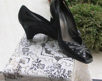 Franco Sarto vintage 80s black peeptoe leather wedge shoe