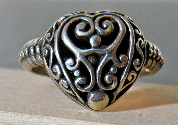 FALL SALE Vintage Sterling Silver Ornate Heart Ring Size 9