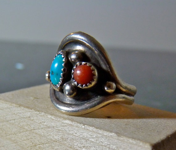 SALE Vintage Silver Native American Unique Style Ring with Turquoise and Coral
