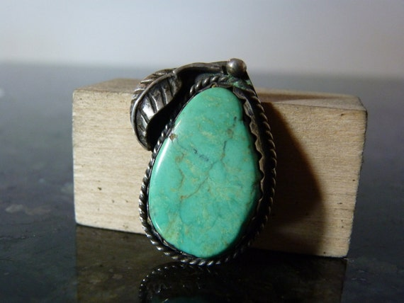 SALE Vintage Silver Native American Style Green Turquoise Pendant with Leaf