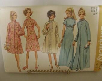 Vintage Uncut 1970 Simplicity Pattern Evening Dress and Coat  9122