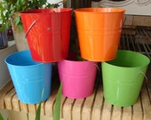 set of 5 shabby chic,simple metal/tin pails/buckets with handles-beach/garden buckets