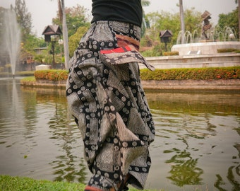 Thai Tribe pants, Cotton, Akha / Hmong Style in Shades of Grey and Red