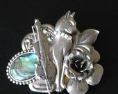 Large Cat Brooch Pin With Violin Flower and Shell With Rhinestone Collar