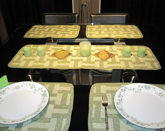 Olive green and Cream table runner and 4 matching placemats