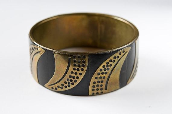 vintage bangle bracelet floral brass decoration and black resin - african style - handmade , 70s