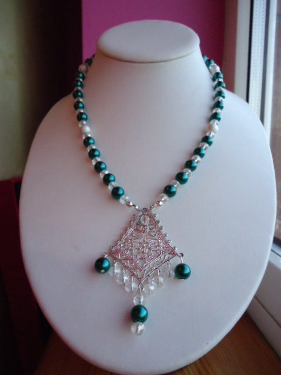 Necklace Emerald Green Pearl and Clear Crystal approx 22 inches by JulieDeeleyJewellery on Etsy