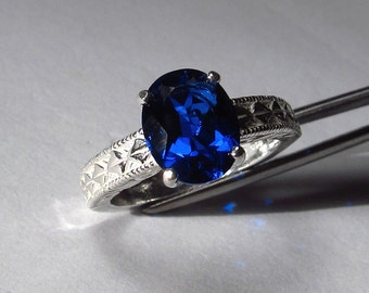 Absolutely Stunning Lab Created Spinel in Impressive Sterling Silver Ring Size 7