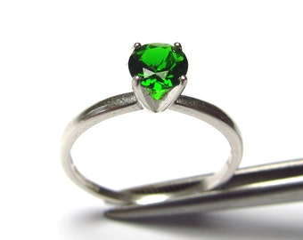 Elegant Genuine Chrome Diopside in Sterling Silver Ring Size 7