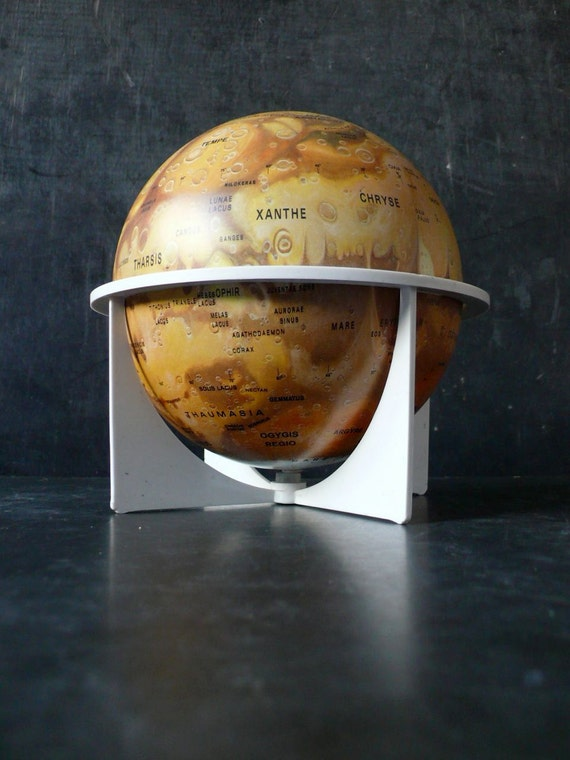 Hard to find Mars globe by Replogle. 1970s.