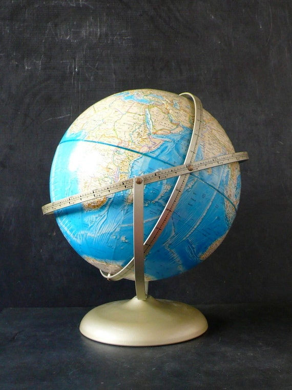 1970s 12 inch  Rand McNally Globe. Unique 3 way action.