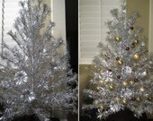 AWESOME 1968 Aluminum Christmas Tree (86 Branches), Color Wheel & Tree Turner Bundle