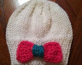 Newborn White Knitted Hat with bow