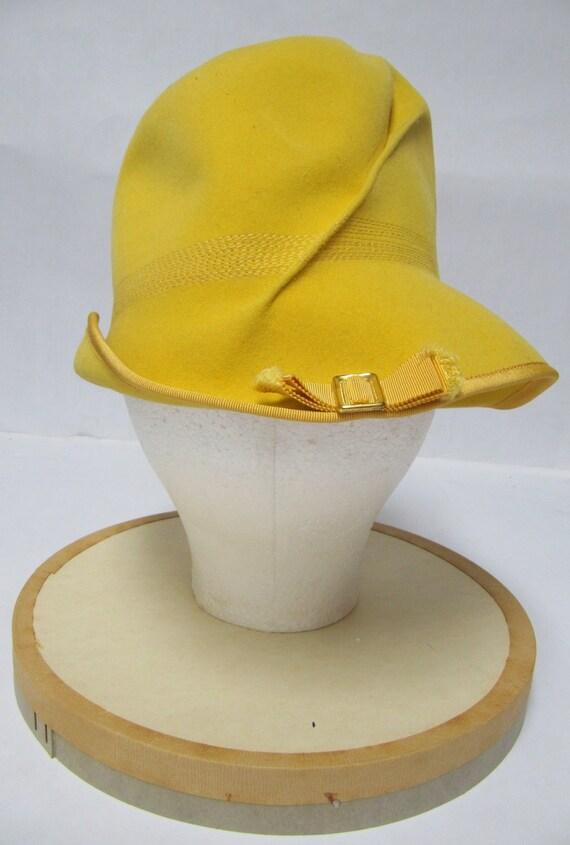 1960's Mod Yellow Felt Hat