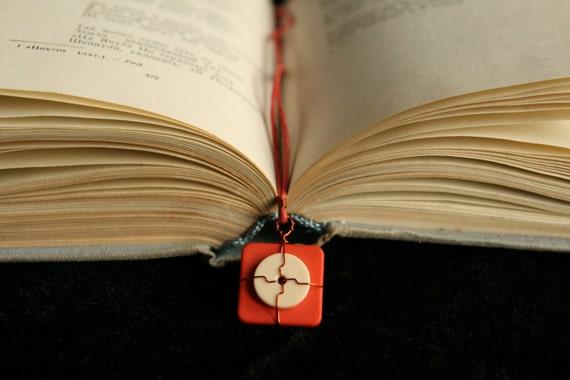 Unisex gift - Geometric wire decorated bookmark
