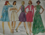 Vogue's Basic Design 1017 Dresses - 1970s Size 14
