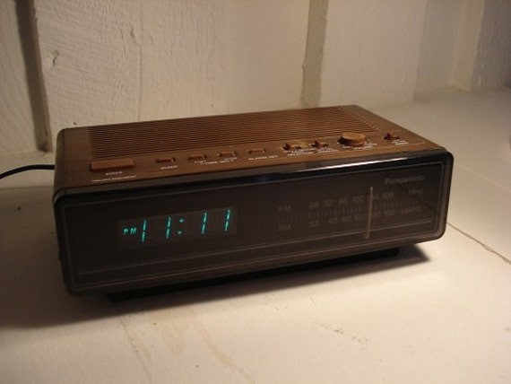 vintage panasonic digital alarm clock radio. Black Bedroom Furniture Sets. Home Design Ideas