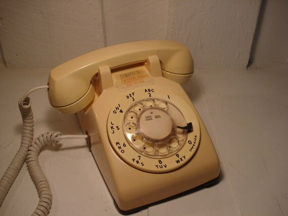 Vintage Cream Colored Rotary Phone