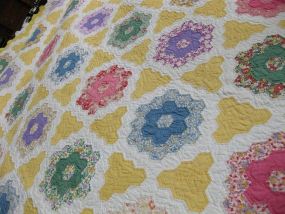 Antique Quilts Grandmothers Flower Garden Feed Sack Patchwork