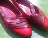 W 9 - 80s Red Pointy Flats, Asymmetrical Two Tone Shoes w/ Cut Outs