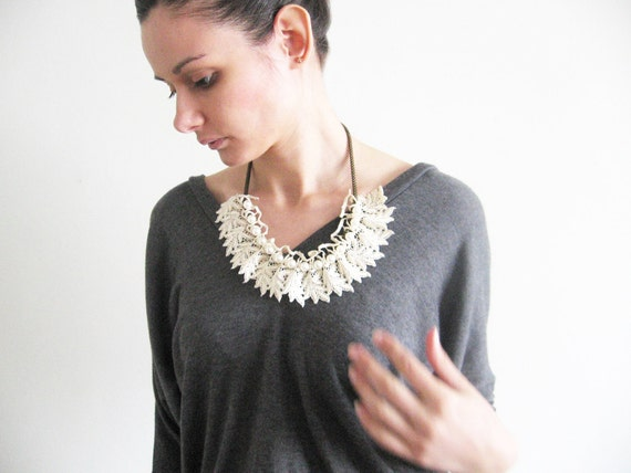 Lace and pearls necklace- leaf lace- white pearls- statement necklace