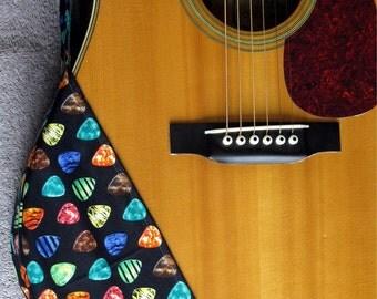 Guitar Ragtop. Item No.20 - Guitar Picks on Black