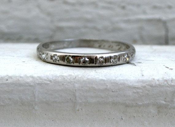 Beautiful Classic Vintage Platinum Diamond Wedding Band