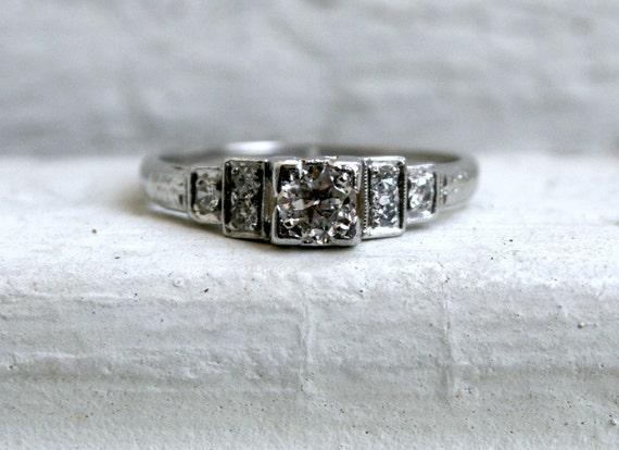 Absolutely Stunning Vintage Art Deco Platinum Diamond Engagement Ring.