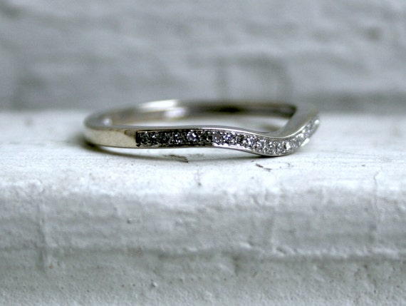 Curved Pave Vintage 10K White Gold Diamond Wedding Band
