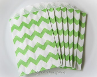 20  Bitty Bags - 2.75 x 4 Green Chevron Bags for Party Favors, Gift Card Wrappers, Bakery or Boutique Bags