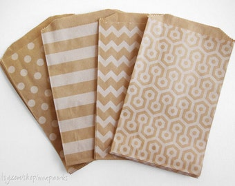 100 5 x 7.5 Inch Kraft Paper Bags with White Polka Dots, Stripes, Chevron or Honeycomb -  Candy Buffet Bag