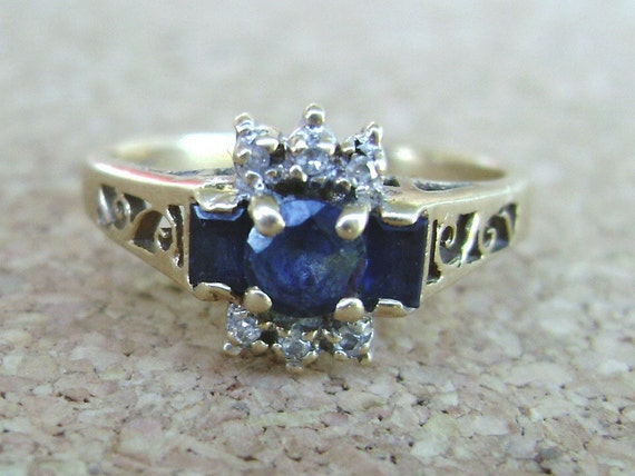 Vintage 14k gold Sapphire Ring with Diamonds, Antique gold ring with scroll detailed band