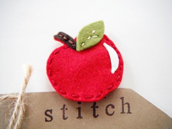 felt apple hair clip by Miki