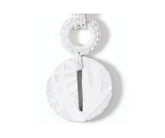 White ooak ceramic necklace / Hand textured ceramic pendant / Ceramic fashion jewelry / Minimal chic necklace / Modern jewelry / Unique