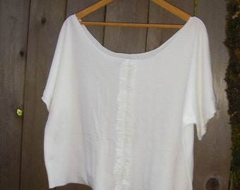 Funky White Eco Upcycled Womens Top/Off the Shoulder Ruffle Shirt Retro Stretch Knit Blouse Size L XL