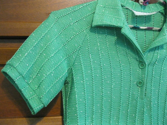 Green Short-sleeved Collared Knit Shirt