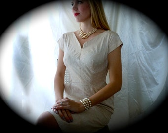 Vintage 1960s Day Dress -  Embroidered Cotton Oatmeal Day Dress - Mad Men style