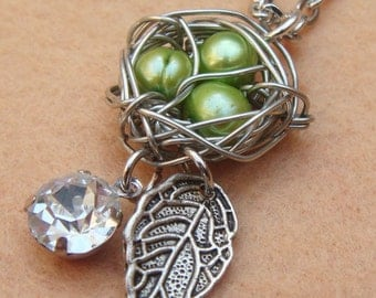 Bird Nest Leaf and Green Pearl Necklace
